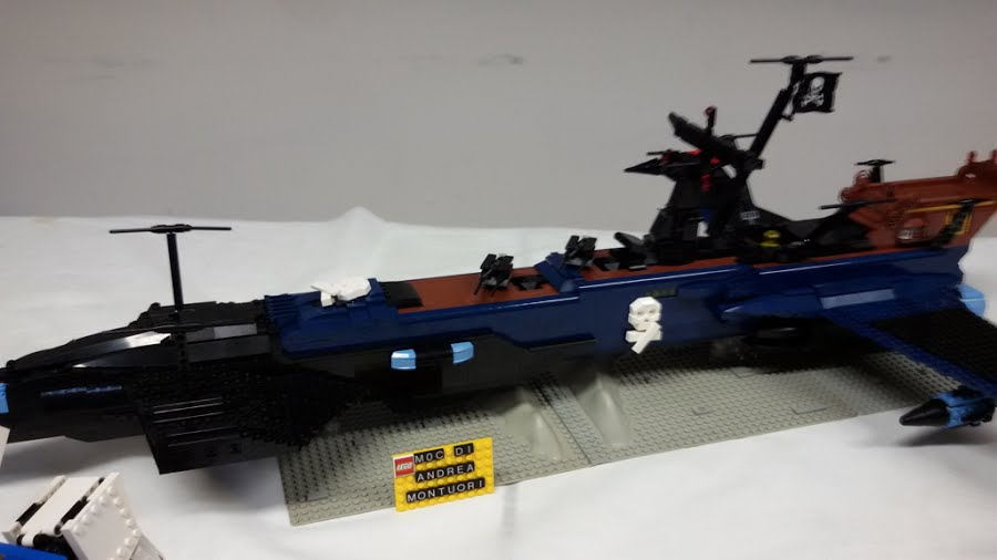 Captain Harlock ARCADIA Original Romantic Series in mattoncini LEGO